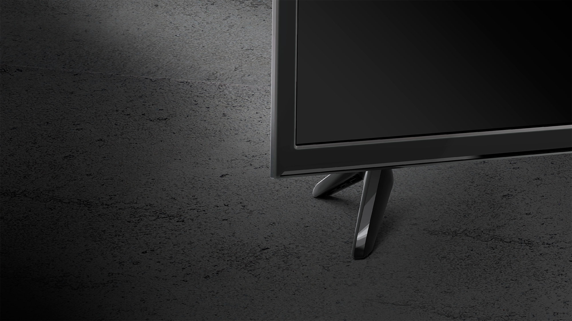 Dzięki smukłej konstrukcji telewizor Kruger&Matz będzie prezentował się doskonale, niezależnie czy postawisz go na szafce czy zamontujesz na ścianie. Co więcej, obudowa w odcieniu stonowanej czerni nadaje mu stylu, sprawiając że będzie on doskonale współgrał z wystrojem Twojego salonu.